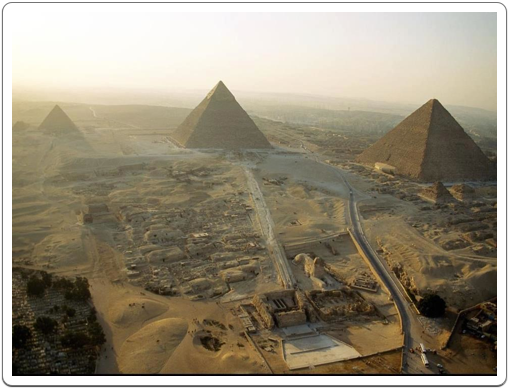 The site of Giza seen from the sky.