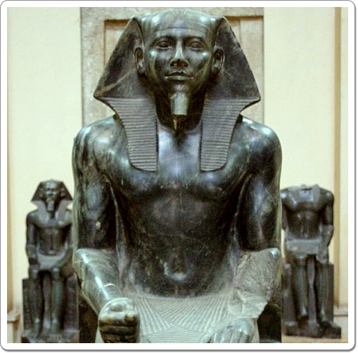 Khefren's most famous statue represents him seated on a his throne, protected by Horus.